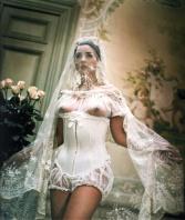 8631055-R3L8T8D-650-Monica_Bellucci_wedding_B-504046